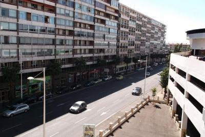Vente appartement Toulon • <span class='offer-area-number'>56</span> m² environ • <span class='offer-rooms-number'>3</span> pièces