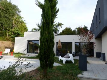 Vente maison Tours • <span class='offer-area-number'>202</span> m² environ • <span class='offer-rooms-number'>6</span> pièces