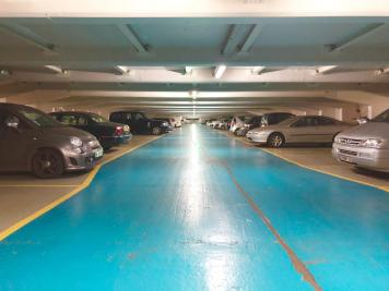 Achat parking Paris 08 • <span class='offer-area-number'>15</span> m² environ