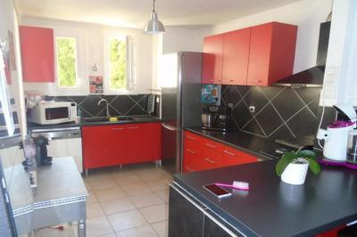 Achat appartement Montpellier • <span class='offer-area-number'>73</span> m² environ • <span class='offer-rooms-number'>4</span> pièces
