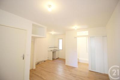 Appartement Marseille 06 • <span class='offer-area-number'>22</span> m² environ • <span class='offer-rooms-number'>1</span> pièce