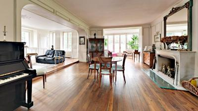 Achat maison Fontainebleau • <span class='offer-area-number'>612</span> m² environ • <span class='offer-rooms-number'>12</span> pièces