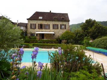 Vente maison St Vincent du Pendit • <span class='offer-area-number'>221</span> m² environ • <span class='offer-rooms-number'>6</span> pièces