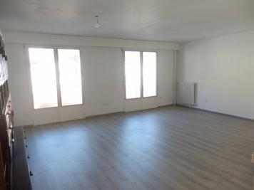 Vente appartement St Claude • <span class='offer-area-number'>80</span> m² environ • <span class='offer-rooms-number'>4</span> pièces
