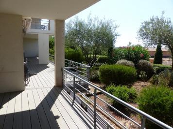 Appartement Frejus • <span class='offer-area-number'>118</span> m² environ • <span class='offer-rooms-number'>4</span> pièces