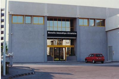 Location commerce Marseille 09 • <span class='offer-area-number'>2 700</span> m² environ