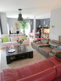 Vente maison Nantes • <span class='offer-area-number'>186</span> m² environ • <span class='offer-rooms-number'>8</span> pièces