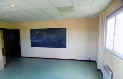 Bureau Brie Comte Robert • <span class='offer-area-number'>35</span> m² environ
