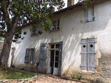 Vente maison Confolens • <span class='offer-area-number'>160</span> m² environ • <span class='offer-rooms-number'>7</span> pièces