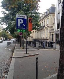Achat parking Paris 08 • <span class='offer-area-number'>12</span> m² environ