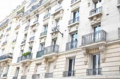 Appartement Paris 12 &bull; <span class='offer-area-number'>109</span> m² environ &bull; <span class='offer-rooms-number'>6</span> pièces