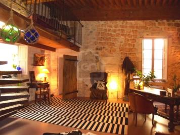 Maison Arles • <span class='offer-area-number'>179</span> m² environ • <span class='offer-rooms-number'>6</span> pièces