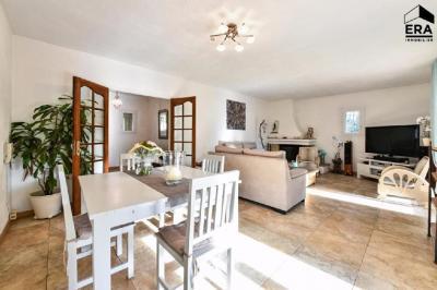 Maison Mouans Sartoux &bull; <span class='offer-area-number'>165</span> m² environ &bull; <span class='offer-rooms-number'>6</span> pièces