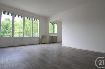 Achat appartement Bolbec • <span class='offer-area-number'>67</span> m² environ • <span class='offer-rooms-number'>4</span> pièces