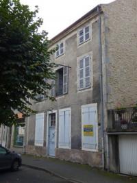 Vente maison Gannat • <span class='offer-area-number'>158</span> m² environ • <span class='offer-rooms-number'>8</span> pièces