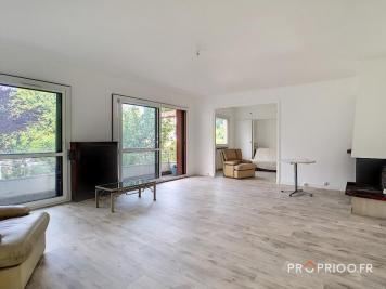 Achat appartement Vaucresson • <span class='offer-area-number'>93</span> m² environ • <span class='offer-rooms-number'>3</span> pièces