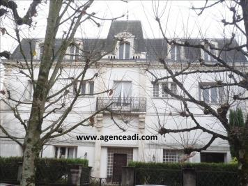 Vente maison St Maixent l Ecole • <span class='offer-area-number'>387</span> m² environ • <span class='offer-rooms-number'>12</span> pièces