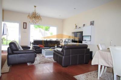 Maison Montfermeil • <span class='offer-area-number'>200</span> m² environ • <span class='offer-rooms-number'>7</span> pièces