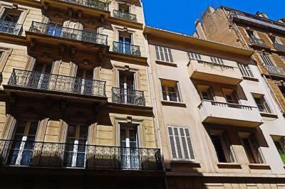 Vente appartement Toulon • <span class='offer-area-number'>52</span> m² environ • <span class='offer-rooms-number'>2</span> pièces
