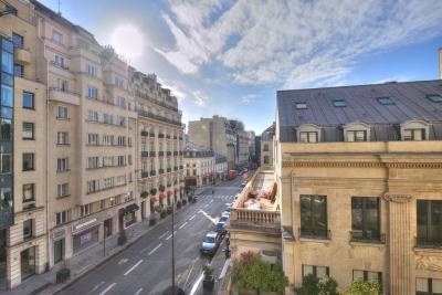 Appartement Paris 08 • <span class='offer-area-number'>185</span> m² environ • <span class='offer-rooms-number'>5</span> pièces