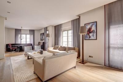 Achat appartement Paris 08 • <span class='offer-area-number'>185</span> m² environ • <span class='offer-rooms-number'>5</span> pièces