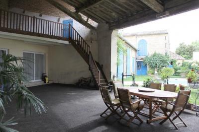 Vente maison Nimes • <span class='offer-area-number'>430</span> m² environ • <span class='offer-rooms-number'>9</span> pièces