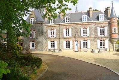Vente propriété St Brieuc • <span class='offer-area-number'>380</span> m² environ • <span class='offer-rooms-number'>16</span> pièces