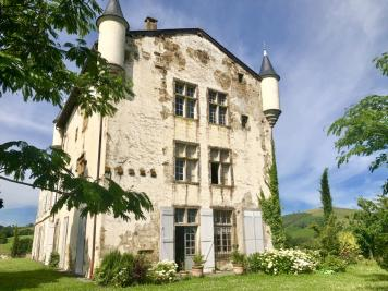 Vente château Hasparren • <span class='offer-area-number'>900</span> m² environ • <span class='offer-rooms-number'>15</span> pièces