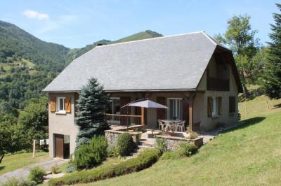 Vente maison Arreau • <span class='offer-area-number'>170</span> m² environ • <span class='offer-rooms-number'>6</span> pièces