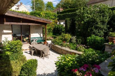 Vente maison St Maximin • <span class='offer-area-number'>120</span> m² environ • <span class='offer-rooms-number'>6</span> pièces