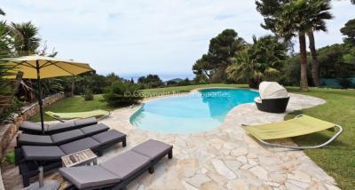 Vente villa Nice • <span class='offer-area-number'>300</span> m² environ • <span class='offer-rooms-number'>7</span> pièces