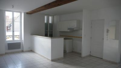 Location appartement Lere • <span class='offer-area-number'>55</span> m² environ • <span class='offer-rooms-number'>3</span> pièces