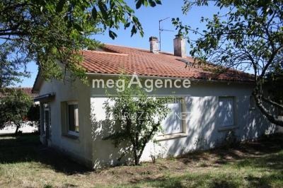 Vente maison Bressuire • <span class='offer-area-number'>142</span> m² environ • <span class='offer-rooms-number'>5</span> pièces