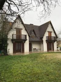Vente maison Livry sur Seine • <span class='offer-area-number'>220</span> m² environ • <span class='offer-rooms-number'>8</span> pièces
