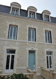 Vente immeuble Fouras • <span class='offer-area-number'>310</span> m² environ • <span class='offer-rooms-number'>11</span> pièces