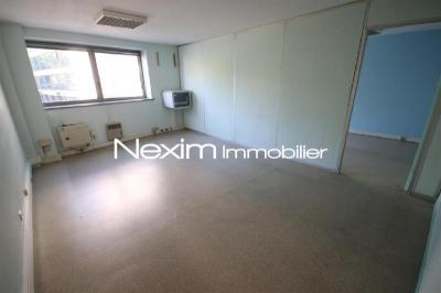 Bureau Lille • <span class='offer-area-number'>76</span> m² environ