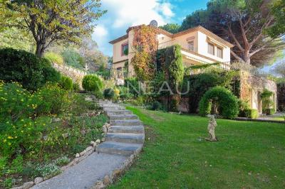 Vente maison Pegomas • <span class='offer-area-number'>575</span> m² environ • <span class='offer-rooms-number'>12</span> pièces