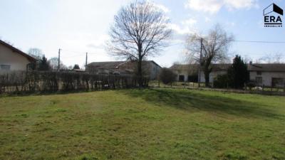 Vente terrain Montrevel en Bresse • <span class='offer-area-number'>720</span> m² environ