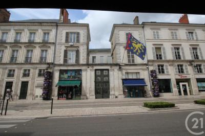 Achat appartement Orleans • <span class='offer-area-number'>111</span> m² environ • <span class='offer-rooms-number'>4</span> pièces