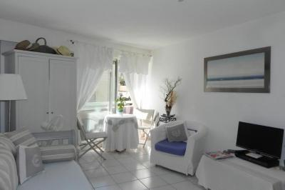 Vente appartement Cavalaire sur Mer • <span class='offer-area-number'>23</span> m² environ • <span class='offer-rooms-number'>1</span> pièce