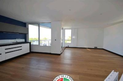 Vente appartement Royan • <span class='offer-area-number'>93</span> m² environ • <span class='offer-rooms-number'>4</span> pièces