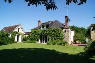 Achat maison Cloyes sur le Loir • <span class='offer-area-number'>156</span> m² environ • <span class='offer-rooms-number'>6</span> pièces