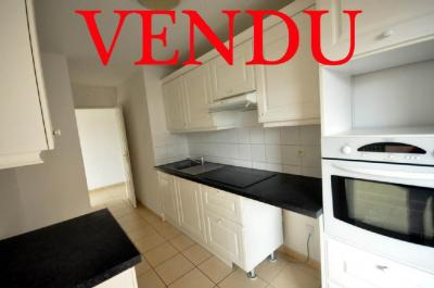 Vente appartement Valenciennes • <span class='offer-area-number'>80</span> m² environ • <span class='offer-rooms-number'>3</span> pièces