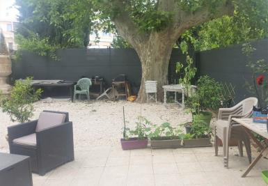 Achat appartement Marseille 11 • <span class='offer-area-number'>57</span> m² environ • <span class='offer-rooms-number'>3</span> pièces