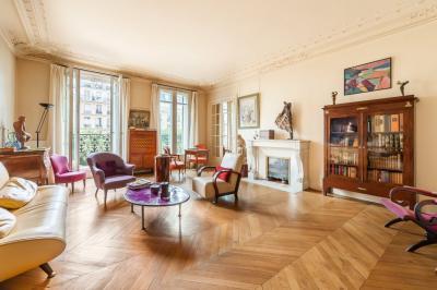 Appartement Paris 17 &bull; <span class='offer-area-number'>163</span> m² environ &bull; <span class='offer-rooms-number'>6</span> pièces