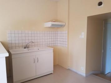 Location appartement Menigoute • <span class='offer-area-number'>57</span> m² environ • <span class='offer-rooms-number'>3</span> pièces