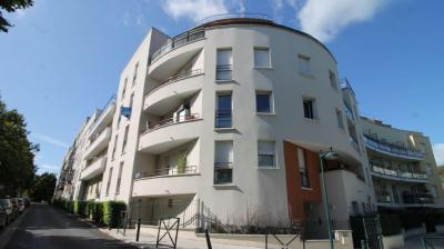 Appartement St Thibault des Vignes • <span class='offer-area-number'>56</span> m² environ • <span class='offer-rooms-number'>3</span> pièces