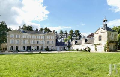 Achat château Orleans • <span class='offer-area-number'>700</span> m² environ • <span class='offer-rooms-number'>15</span> pièces