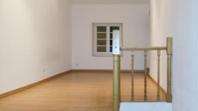 Location appartement Bagnols sur Ceze • <span class='offer-area-number'>37</span> m² environ • <span class='offer-rooms-number'>2</span> pièces