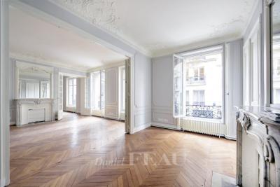 Vente appartement Paris 07 • <span class='offer-area-number'>169</span> m² environ • <span class='offer-rooms-number'>6</span> pièces